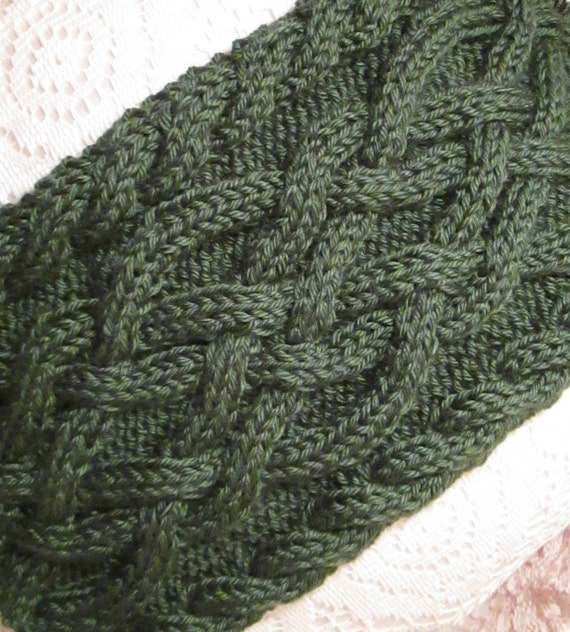 Handmade Forest Green Celtic Knot/Cable Knit Scarf