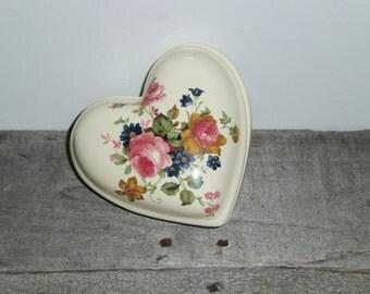 Heart Trinket Box, Vintage Trinket Holder, Shabby Chic Decor, Shabby Chic Bedroom