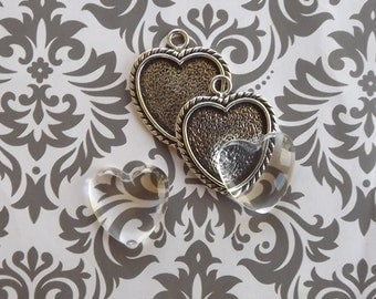 24 1 Inch Heart Pendant Tray, Bezel Heart Pendant in Antique Silver with glass