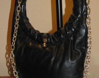BLACK Leather GOLD Chain Link Purse // Vintage 70's Hobo Hipster Shoulder Frame Bag Satchel 60's Arched Simple Chic Fall Winter Gift