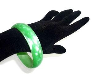 Vintage Green Lucite Bangle Bracelet