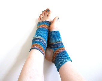 Turquoise no slip warm yoga socks, knitted pilates socks