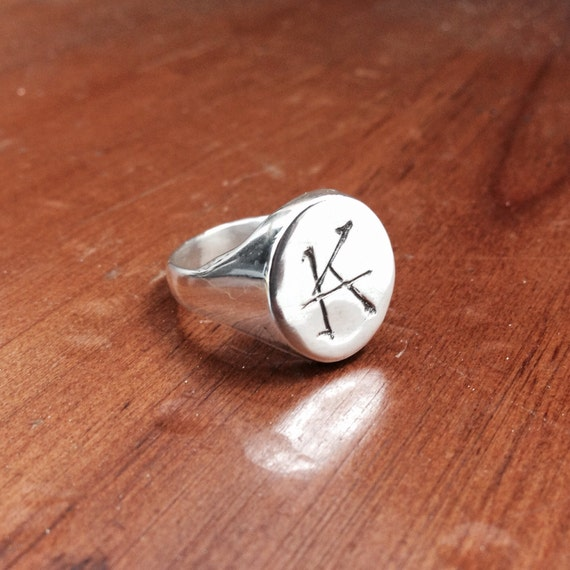 "Stephen King's the Dark Tower ""Ka"" ring"