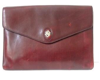 1970 BURGUNDY CLUTH  shoulder bag