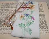 Glasses / Spectacles Case - Recycled Embroidered Linen - vintage textiles re-stitched by Lynwoodcrafts