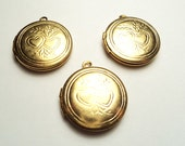3 pcs - 20mm  Brass Round Lockets with double heart design - m272