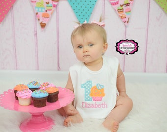 Cupcake Bib, cake smash, birthday bib, First birthday, first birthday bib, Birthday Gift, Cupcake Birthday