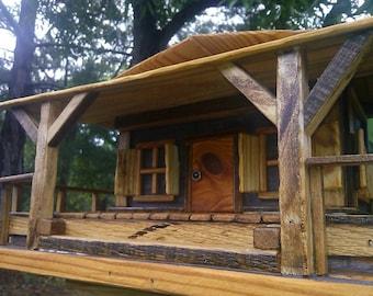Wrap Porch Pallet Bird House