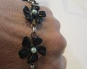 Vintage Black floral simulated pearl bracelet.  Mourning Bracelet, Retro look bracelet 7 1/2 inch