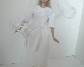 Barbie 60s Style Wedding Gown, with Veil and Accessories