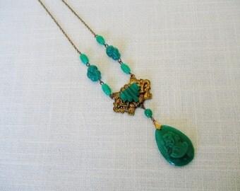 CZECH GLASS PENDANT Necklace w Green Cameo  Gold Tone Vintage Victorian Era Jewelry-