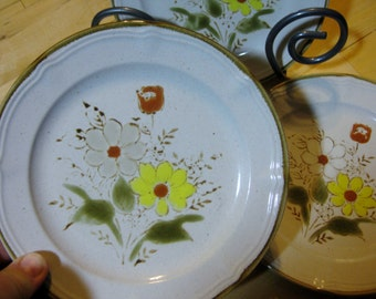 Wallace Heritage French Garden Stoneware Salad plates.Discontinued Great, Set of 3