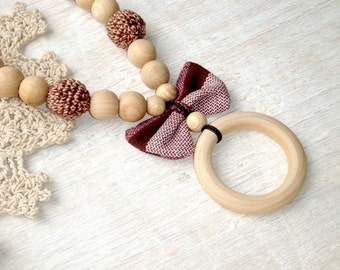 Teething necklace with ring and bow-butterfly,Wrap Scrap,Beige brown baby necklace,Warm color,Earth earthy,Babywearing mom,Mommy to Be