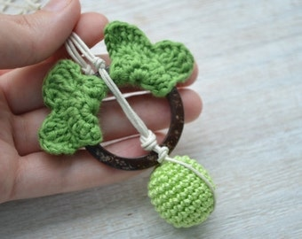 SALE Green Nursing Necklace wings,Breastfeeding necklace,Coconut ring teether,Babywearing necklace,Teething necklace,Shower gift for baby,