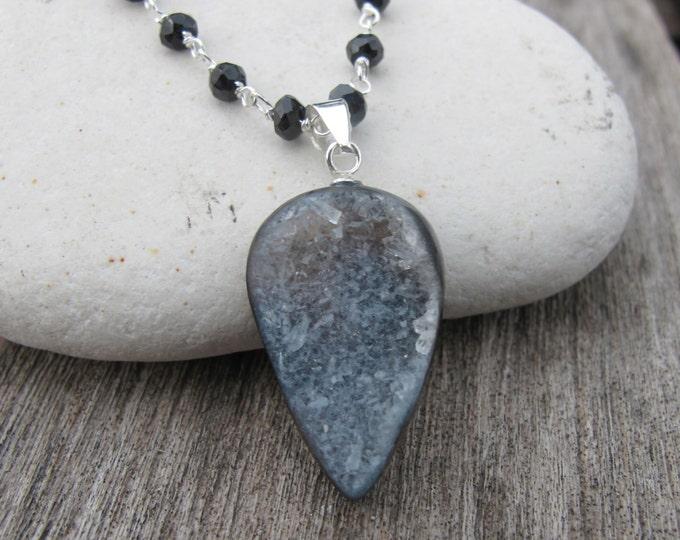 Druzy Agate Necklaces- Druzy Necklaces- Crystal Necklaces- Black Spinel Necklaces-Statement Necklaces-Black Stone Necklaces-Sparkly Necklac