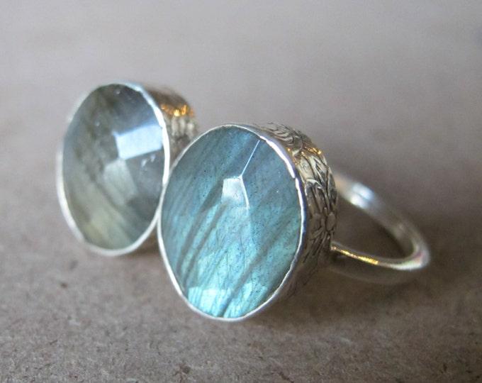 Silver Labradorite Ring- Stack Ring- Green Labradorite Ring- Blue Labradorite Ring- Gemstone Ring- Stone Ring- Cushion Ring- Silver Ring