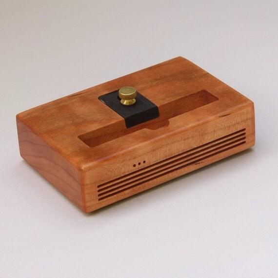 iphone 6 plus docking station the concert by schuttenworks. Black Bedroom Furniture Sets. Home Design Ideas