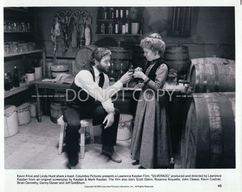 8x10 Press Photo Silverado, Kevin Kline, Linda Hunt