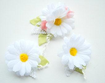 White Daisies Bobby Pins, Set of Three, Weddings Hair Accessories, Bridal Daisies Hair Clip, Bridesmaids Pins, Flower Girls, Photo Prop