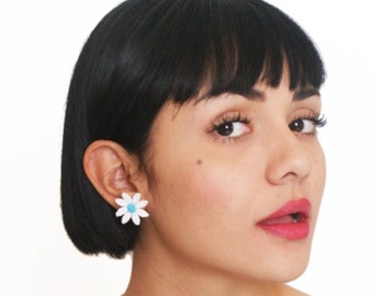 Daisy Stud Earrings Small Gifts
