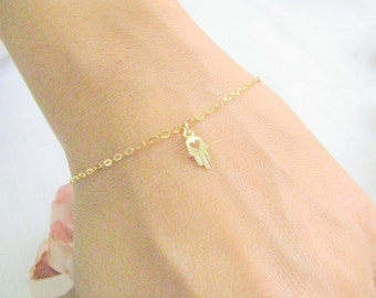 Valentines Day SALE - Tiny hamsa charm bracelet - Hamsa bracelet - Thin gold bracelet - Hamsa jewelry - Dainty hamsa bracelet