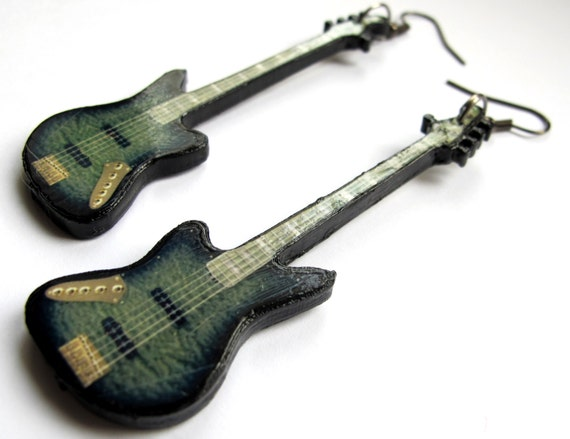 Jrock : Zero bass guitar earrings Despairs Ray D'espairsRay