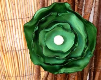 Emerald Green Flower Pin