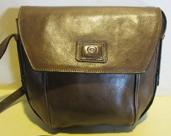 Lovely vintage khaki  leather cross over bag, with very long strap; near mint,