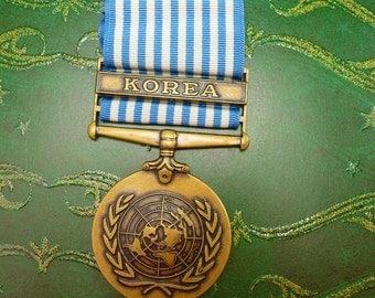 Vintage Korean United Nations Service Medal Copper Bronze Blue White Ribbon Military Veteran Collectors