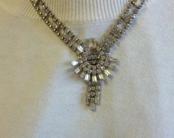 Lovely 1950.s Vintage Cluster Rhinestone necklace