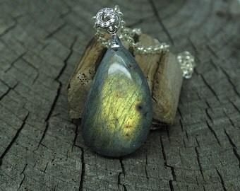 green flash labradorite pendant, handwrapped pendant, pendant necklace, gemstone pendant, flash necklace, labradorite pendant, chain pendant