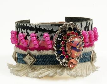 Leather cuff pink, fuchsia, jeans - bohemian gypsy Ibiza style - leather jewelry - glass cabochon, Swarovski - handmade