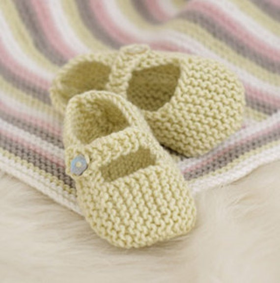 baby knitting pattern for baby shoes . mary jane / t bar