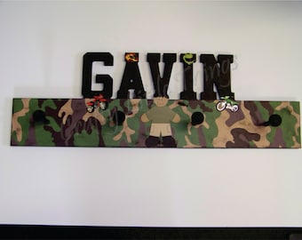 Personalized Capital letters wooden coat rack - PICK YOUR THEME