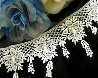 DN361- 3 inch White flowers Venise Lace Trim by yard