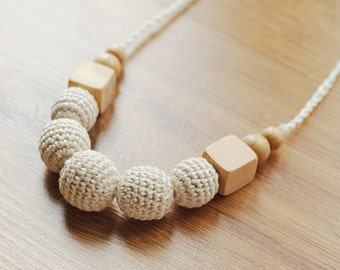 Neutral Crochet Teething  Nursing necklace for breastfeeding Mommy - Sensory toy - Chewable baby teether - cream color juniper wooden beads