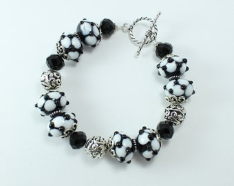 Black & white lampwork beaded bracelet