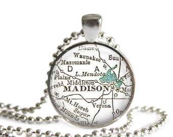 Madison Wisconsin map necklace pendant charm, Wisconsin map jewelry, University Jewelry, Graduation Gifts for Girls, Birthday, A312