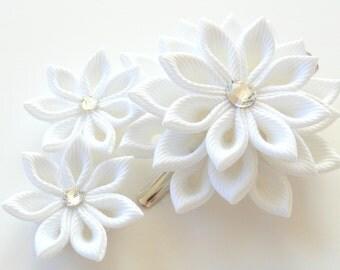 White Bridal Kanzashi fabric flower hair clip. Bridal Hairpiece.