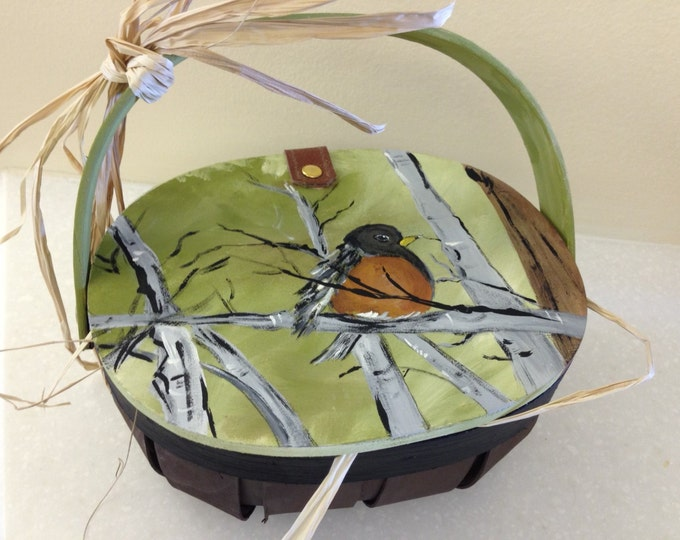 Wicker Basket with Wood Lid and Moveable Handle Decorated with Baby Robin