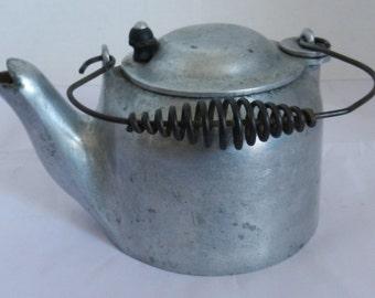 Vintage Teapot Mini Wagner Ware Sydney O