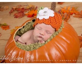 Girl pumpkin hat with white flower and rhinestone center. Baby pumpkin hat. Newborn fall photo prop.