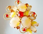 Vintage Brooch Yellow Givre Art Glass Creamy Oval Satin Glass Hyacinth Rhinestone