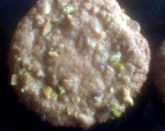 Oatmeal Pistachio White Chocolate Cookies