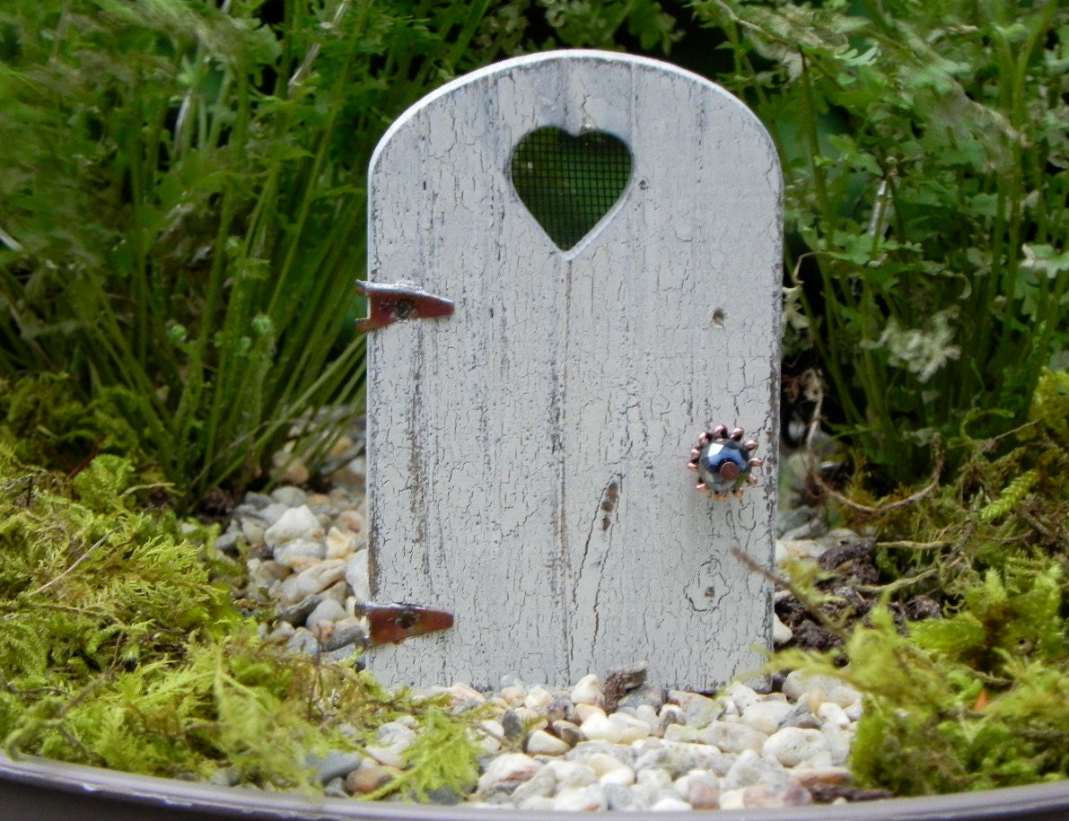 Tiny fairy door for miniature garden rustic distressed crackle for Miniature fairy garden doors