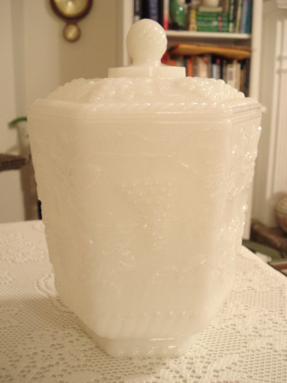 Vintage Anchor Hocking Milk Glass Champagne Bucket Or Cookie Jar In Mint Condition