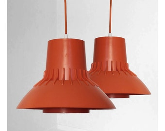 Retro orange lamp designed by Sven Middelboe and produced by Nordic Solar Compagni