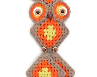 Vintage Owl Wall Hanging, 1970's Crochet Owl, Pot Holders, Orange Mid Century Decor, Kitchen Owl Decor