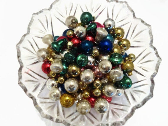 Vintage Christmas Tree Ornaments from StoneCottageVintage
