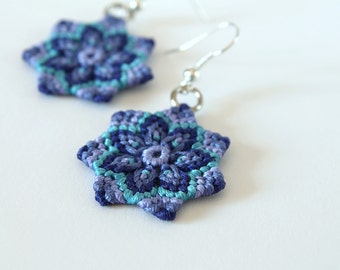 Textile mcramè mandala flower earrings blue liliac